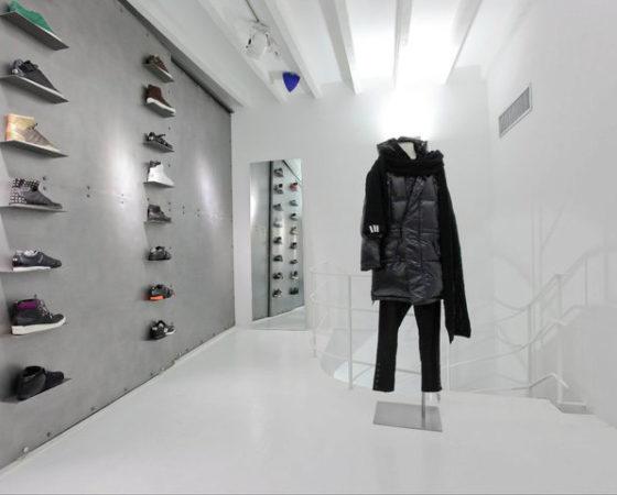 Không gian ấn tượng cửa hàng bán đồ cổ Adidas Y-3, Milan